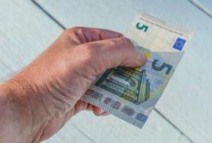 Предел расчета наличными деньгами для физических лиц в размере 500 базовых величин